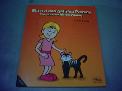 Bia e a Sua Gatinha Pammy - Bia and Her Kitten Pammy