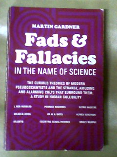 Fads e Fallacies in the Name of Science