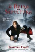 à Beira da Sepultura : Série Night Huntress